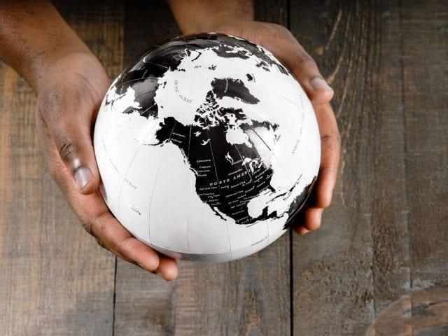 해외주식 투자 특징과 주식 매매 수수료는 어떻게 되나요?